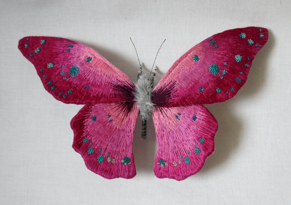 Les papillons et insectes brodés de Yumi Okita